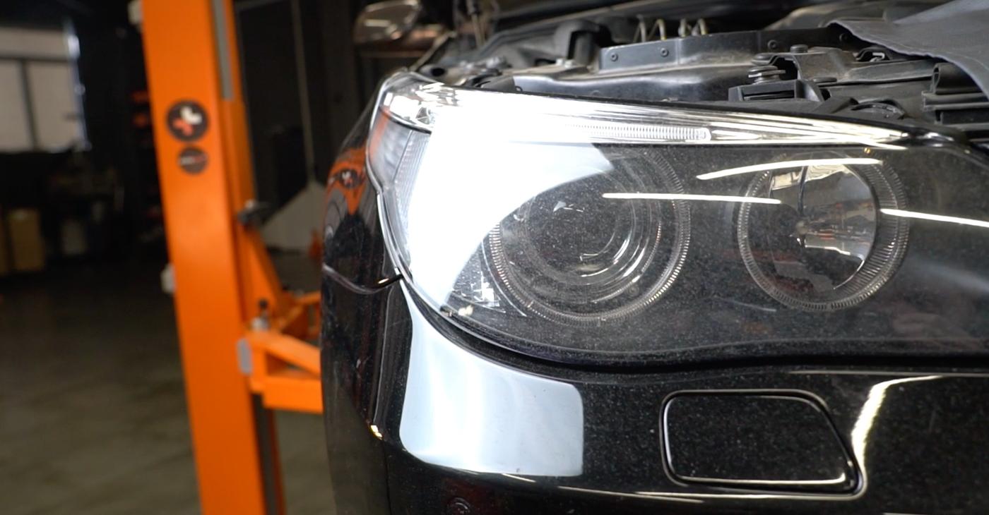 Wie Kraftstofffilter BMW E60 530d 3.0 2001 tauschen - Kostenlose PDF- und Videoanleitungen